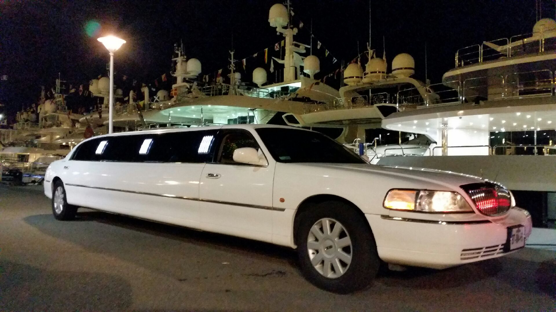Wedding Anniversary Events Rent Limo